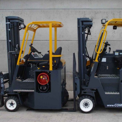 Combilift C2500CB und C400CB